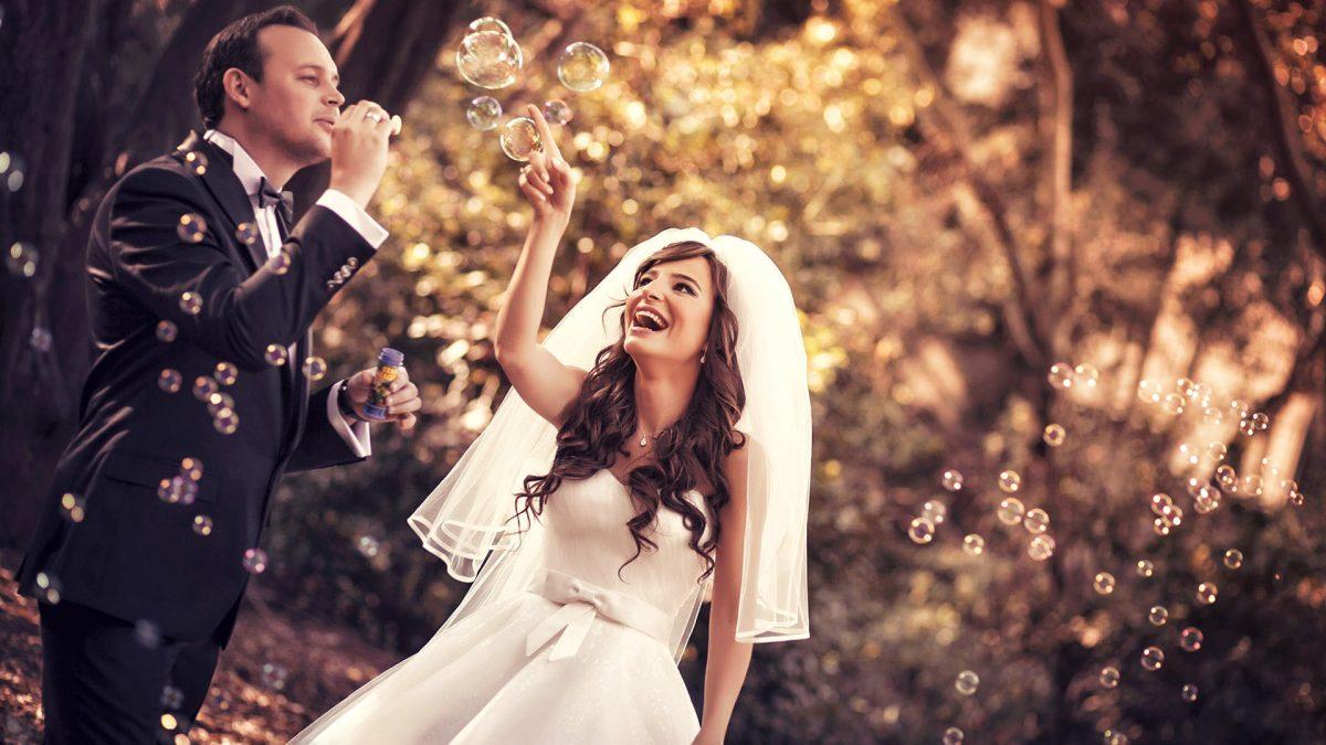 Doğal ortamda mı yoksa stüdyoda mı düğün fotoğrafı çektirilmelidir?